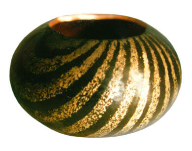 Hand-raised-bowl-2